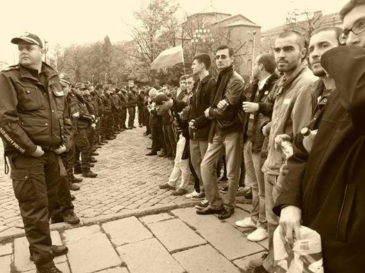 Хора срещу полицаи_12ноем2013